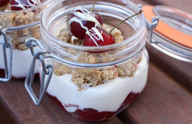 yoghurt cherry